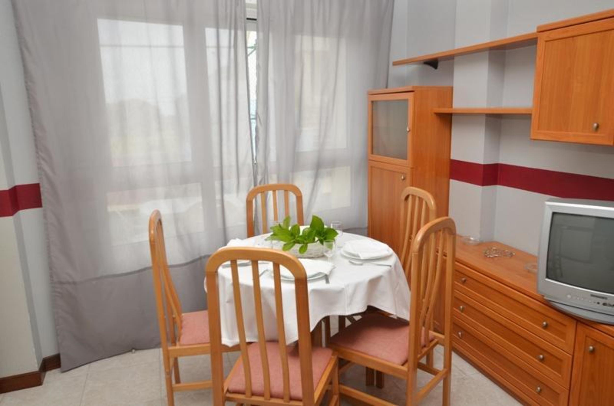 Ferienwohnung Apartment - 2 Bedrooms with Pool and Sea views - 102766 (2360874), Isla, Costa de Cantabria, Kantabrien, Spanien, Bild 2