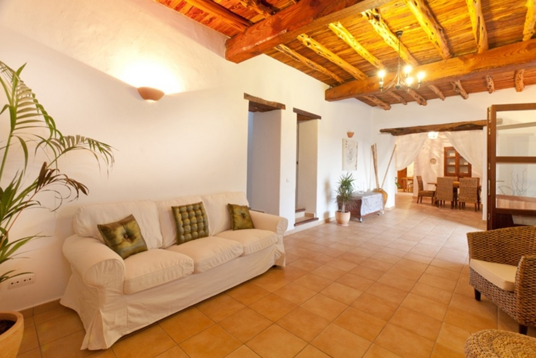 Villa - 5 Bedrooms with Pool and WiFi - 102983