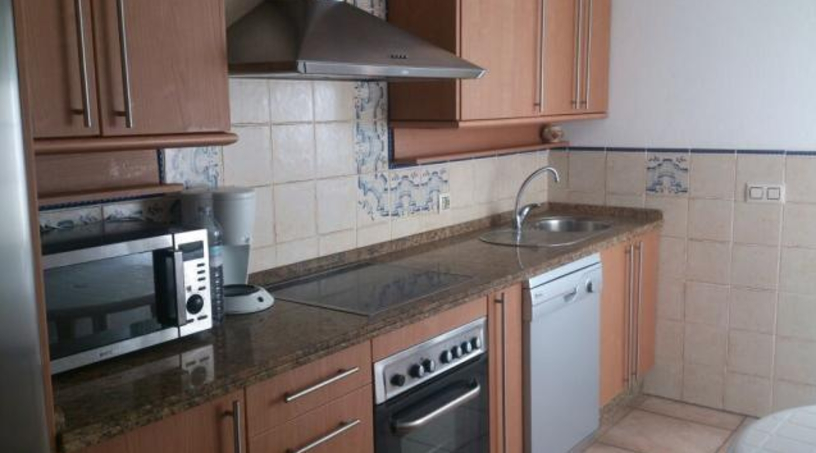House - 4 Bedrooms with Pool and WiFi - 103448