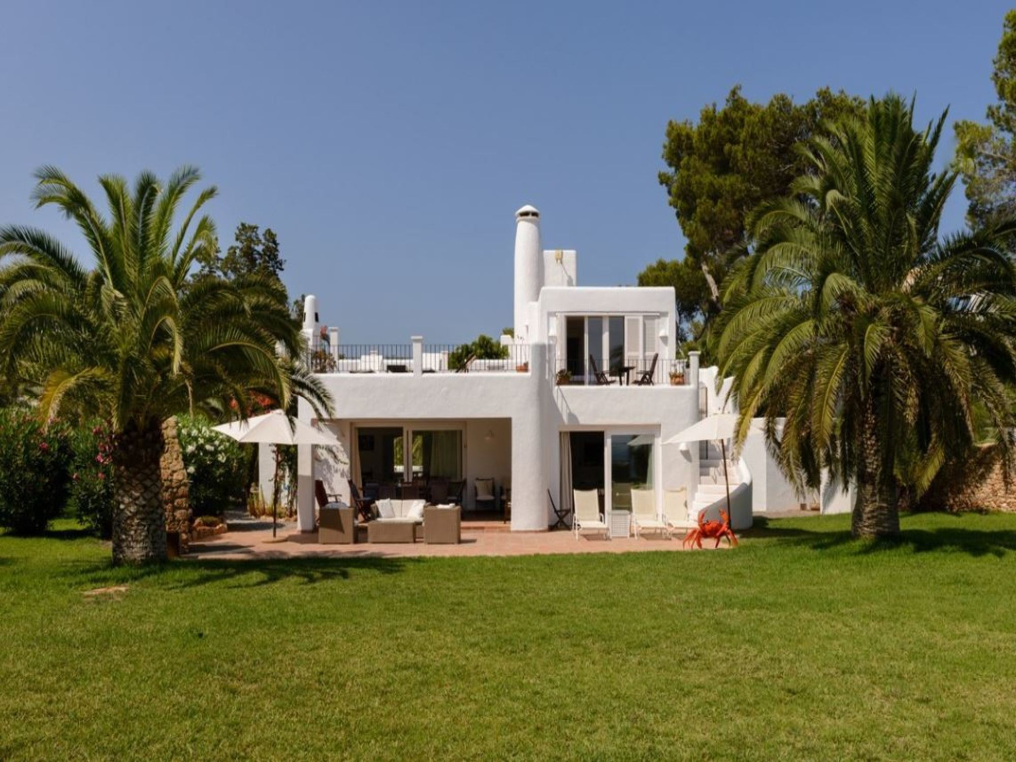 Villa 5 Bedrooms with Pool and WiFi 104067