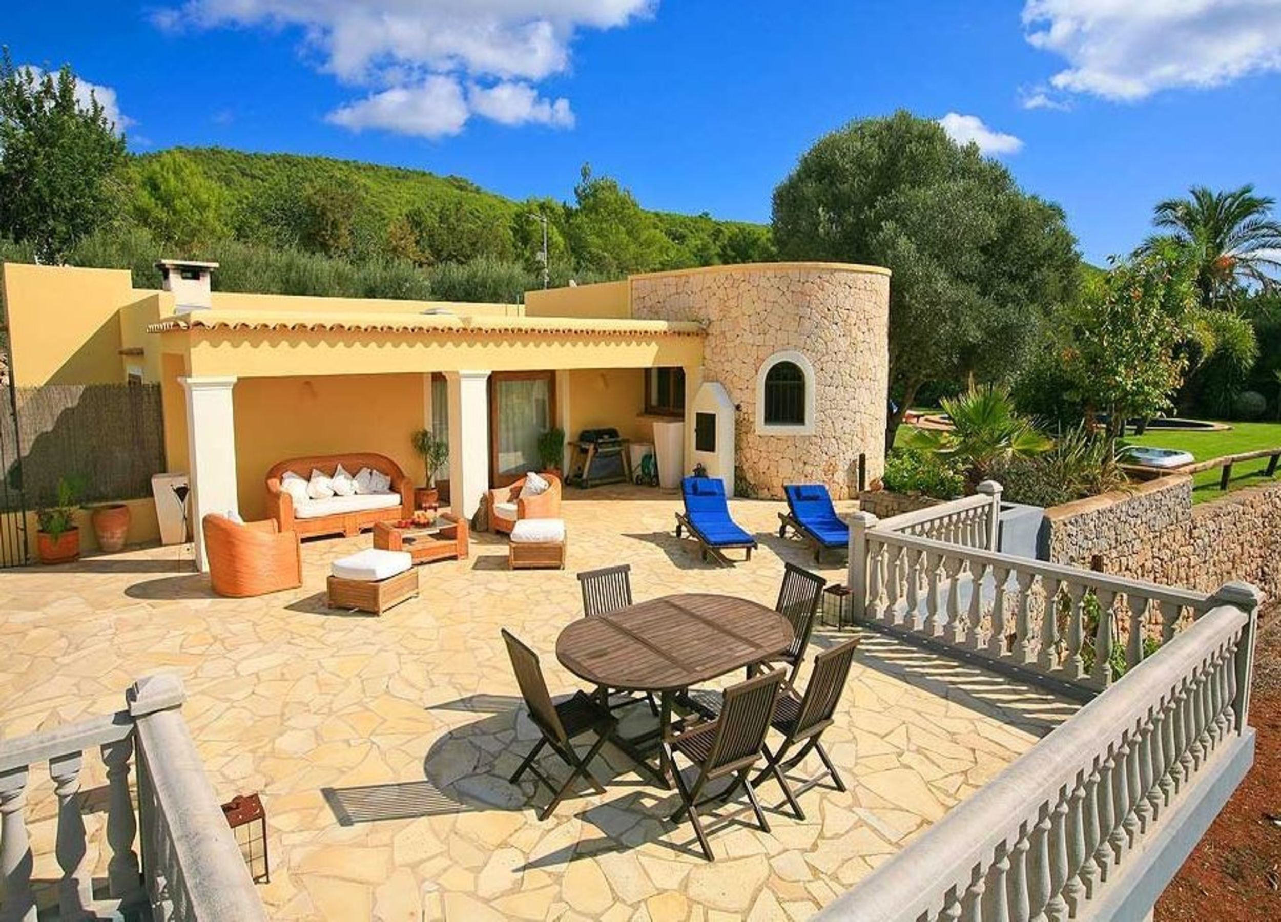 Villa 3 Bedrooms with Pool and WiFi 104162