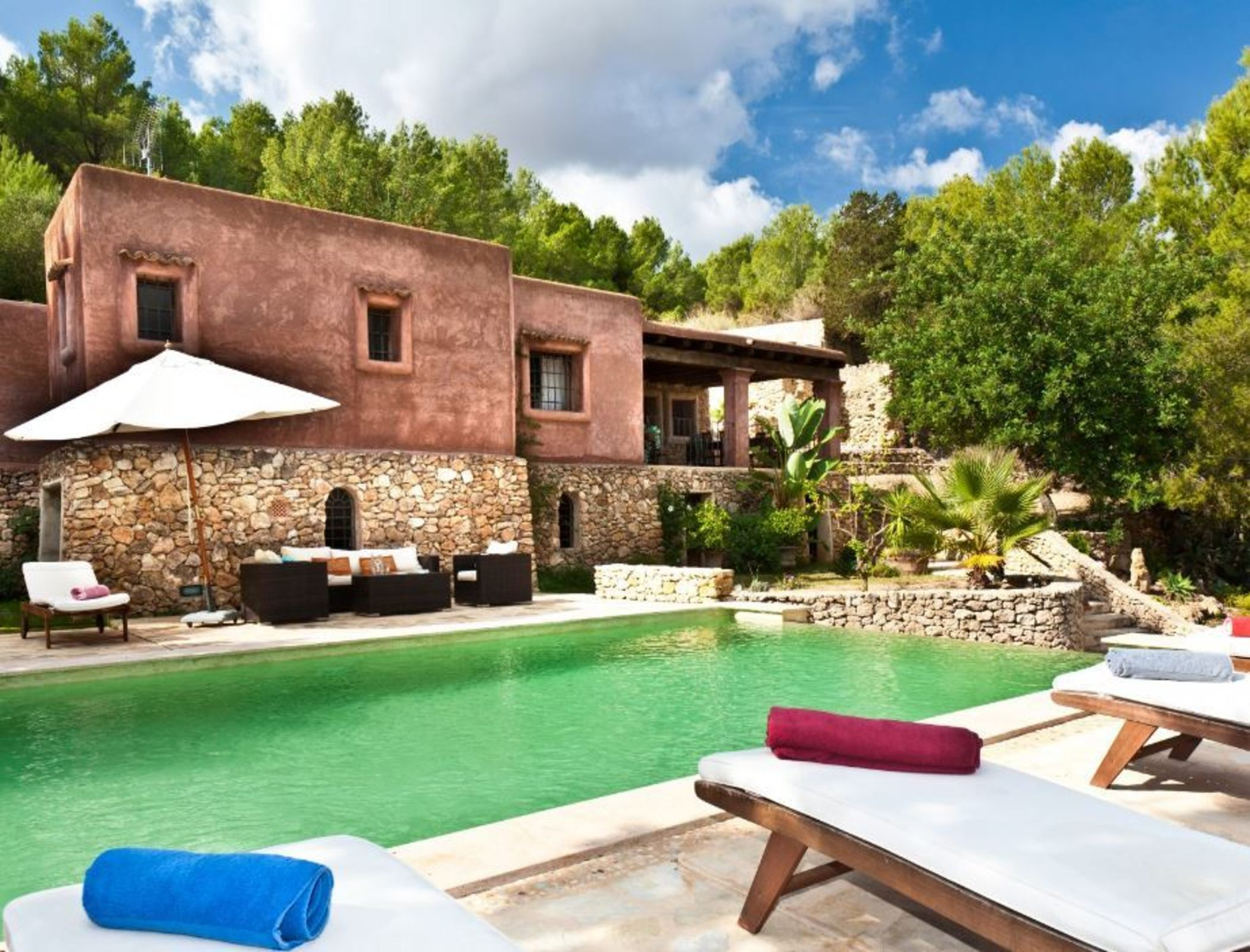 Villa 3 Bedrooms with Pool and WiFi 104408