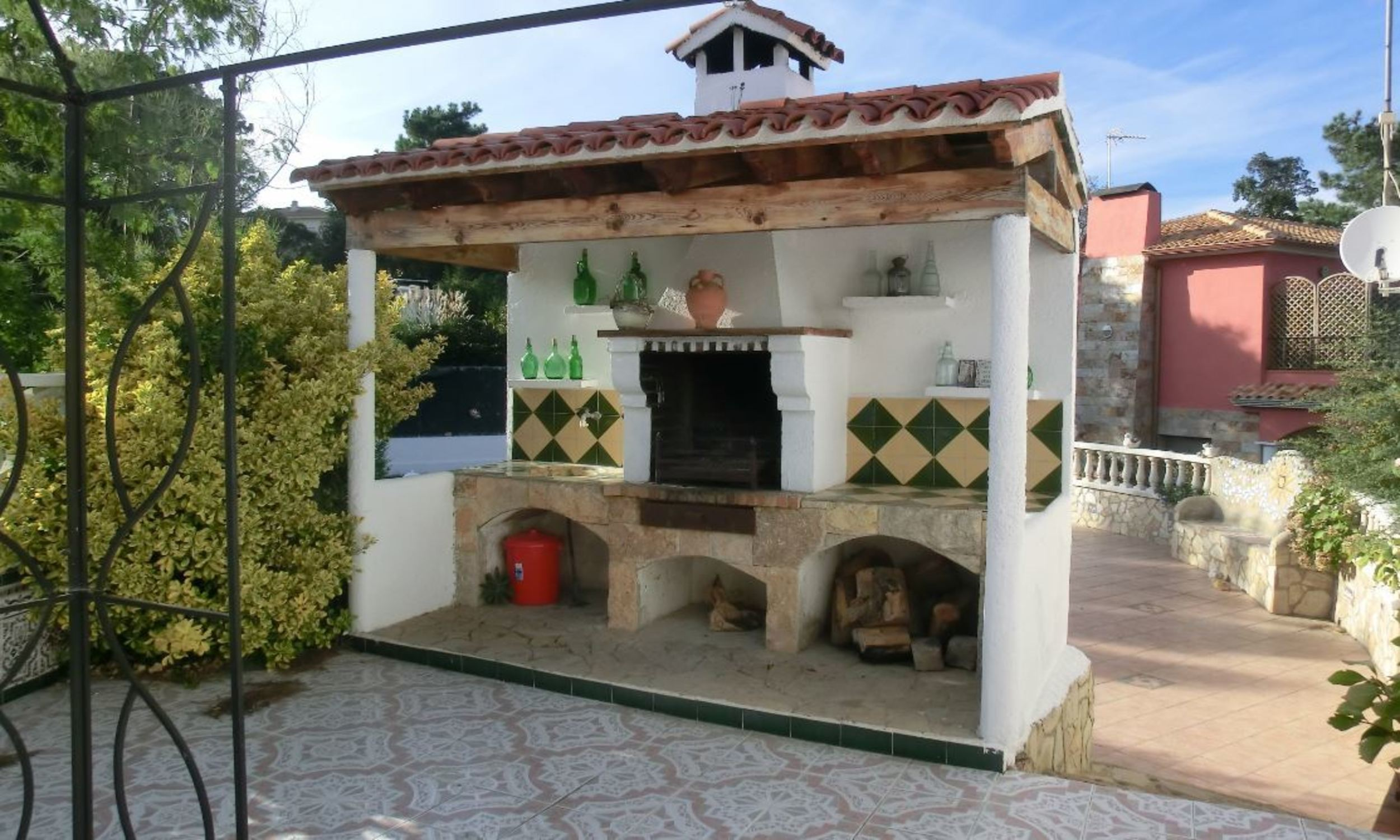 Villa - 4 Bedrooms with Pool, WiFi and Sea views (young people group not allowed) - 104821