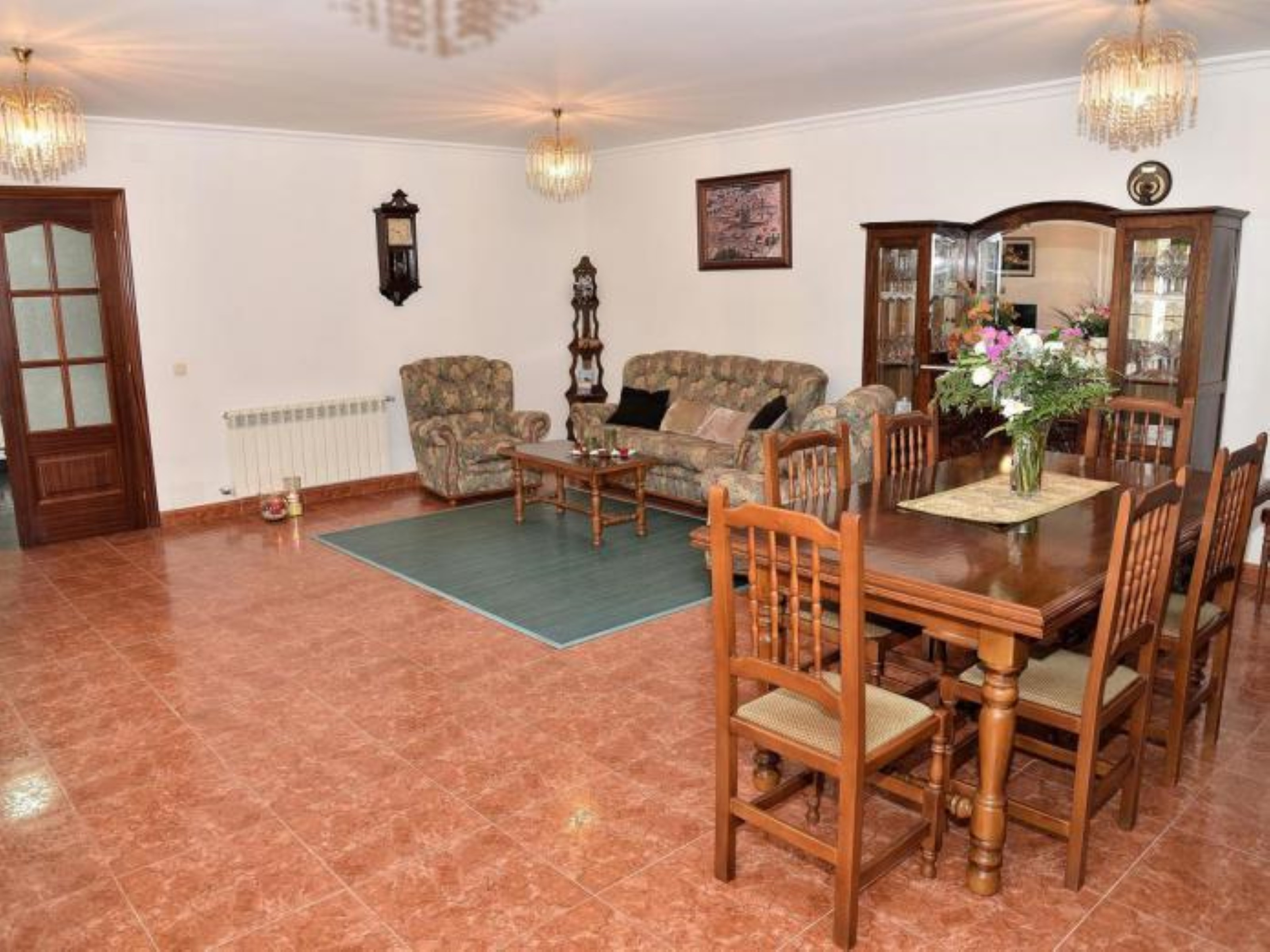 House - 4 Bedrooms with WiFi - 107454
