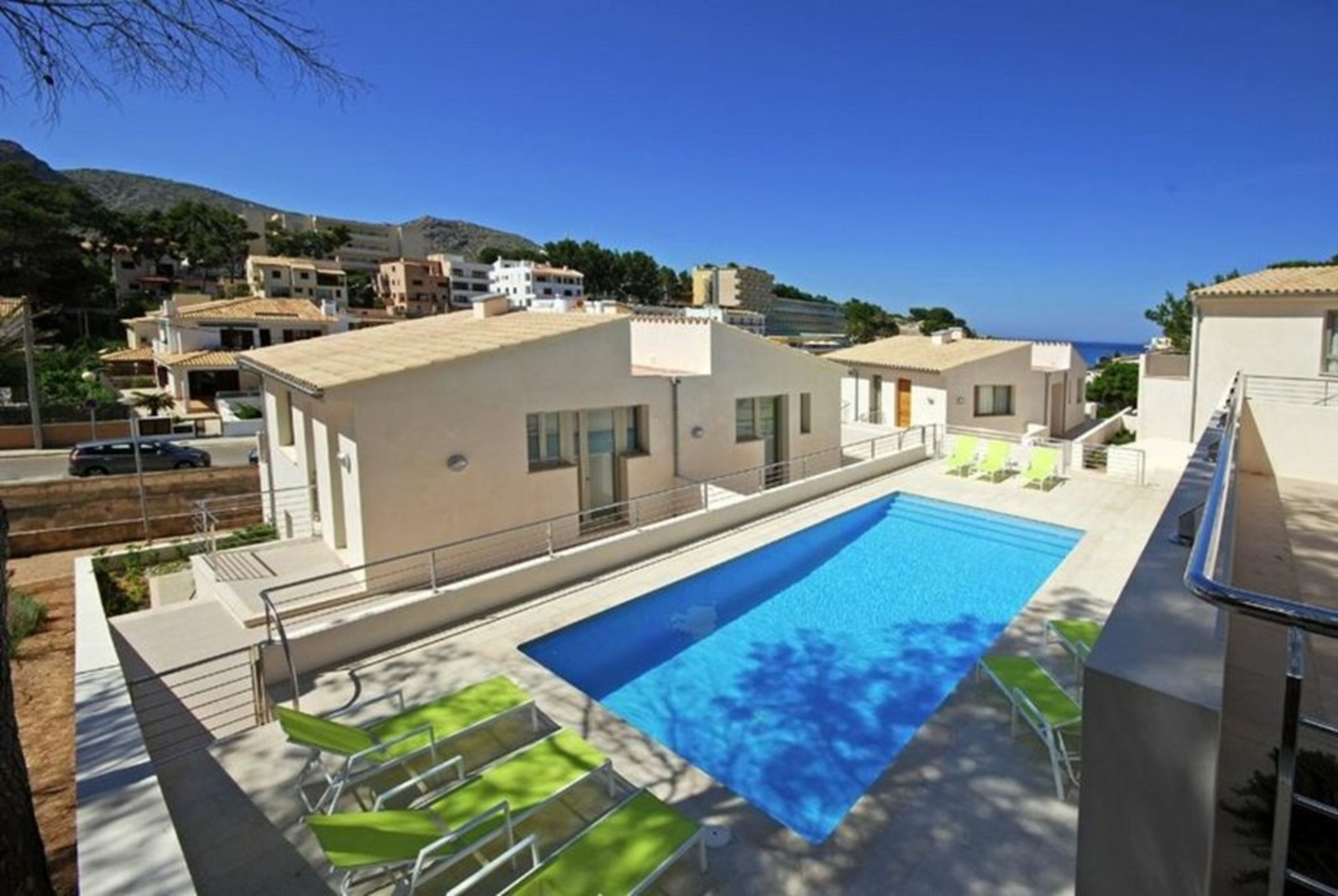 Apartment 3 Bedrooms with Pool WiFi and Sea views 108324