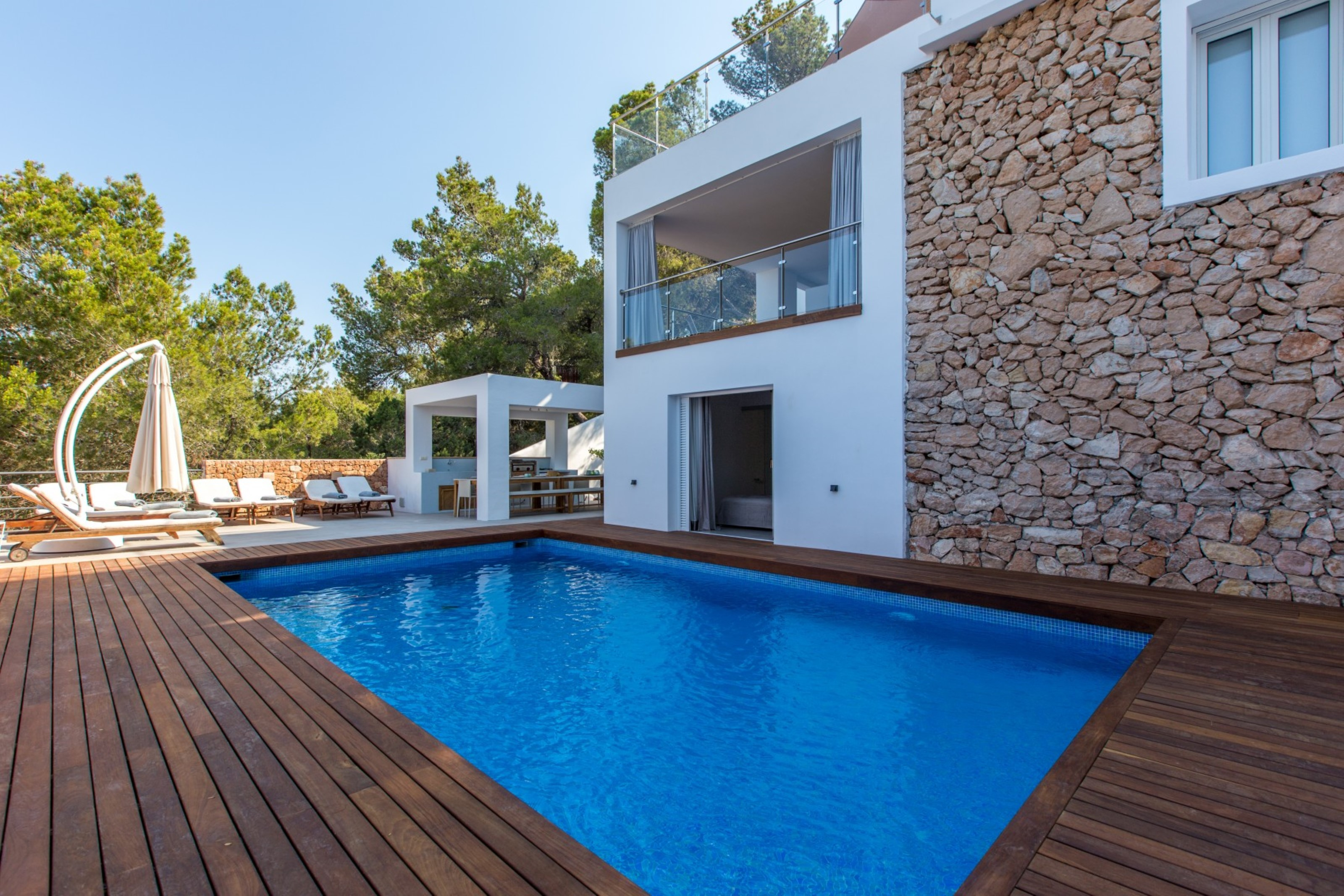 Villa 6 Bedrooms with Pool WiFi and Sea views 108681