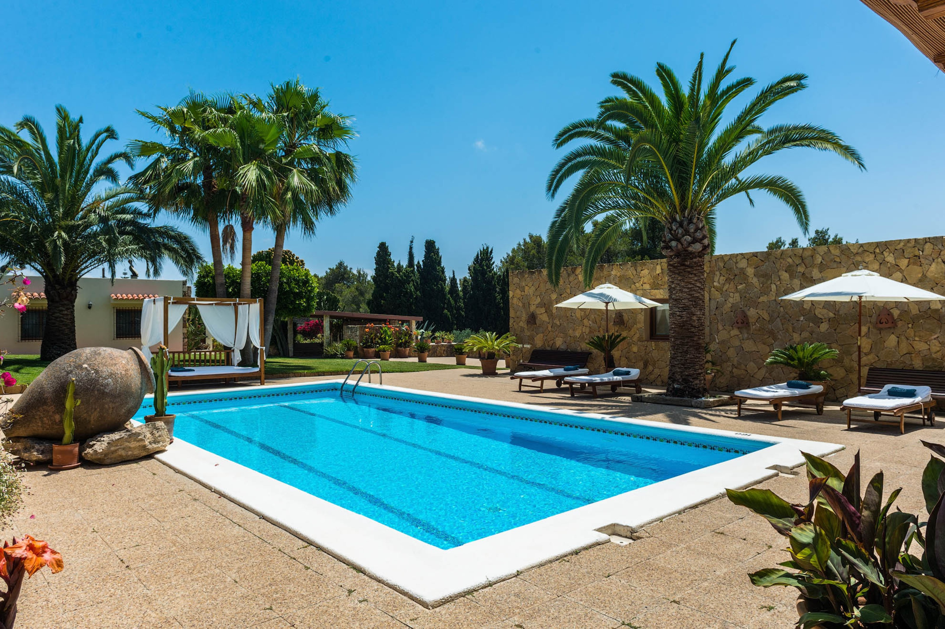 Villa 3 Bedrooms with Pool and WiFi 108771