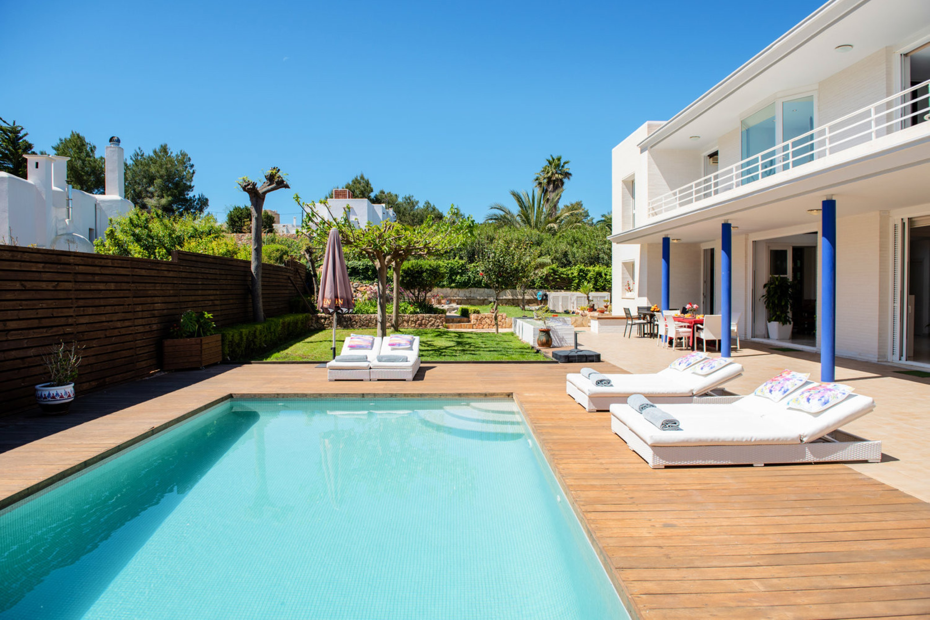 Villa 5 Bedrooms with Pool and WiFi 108784