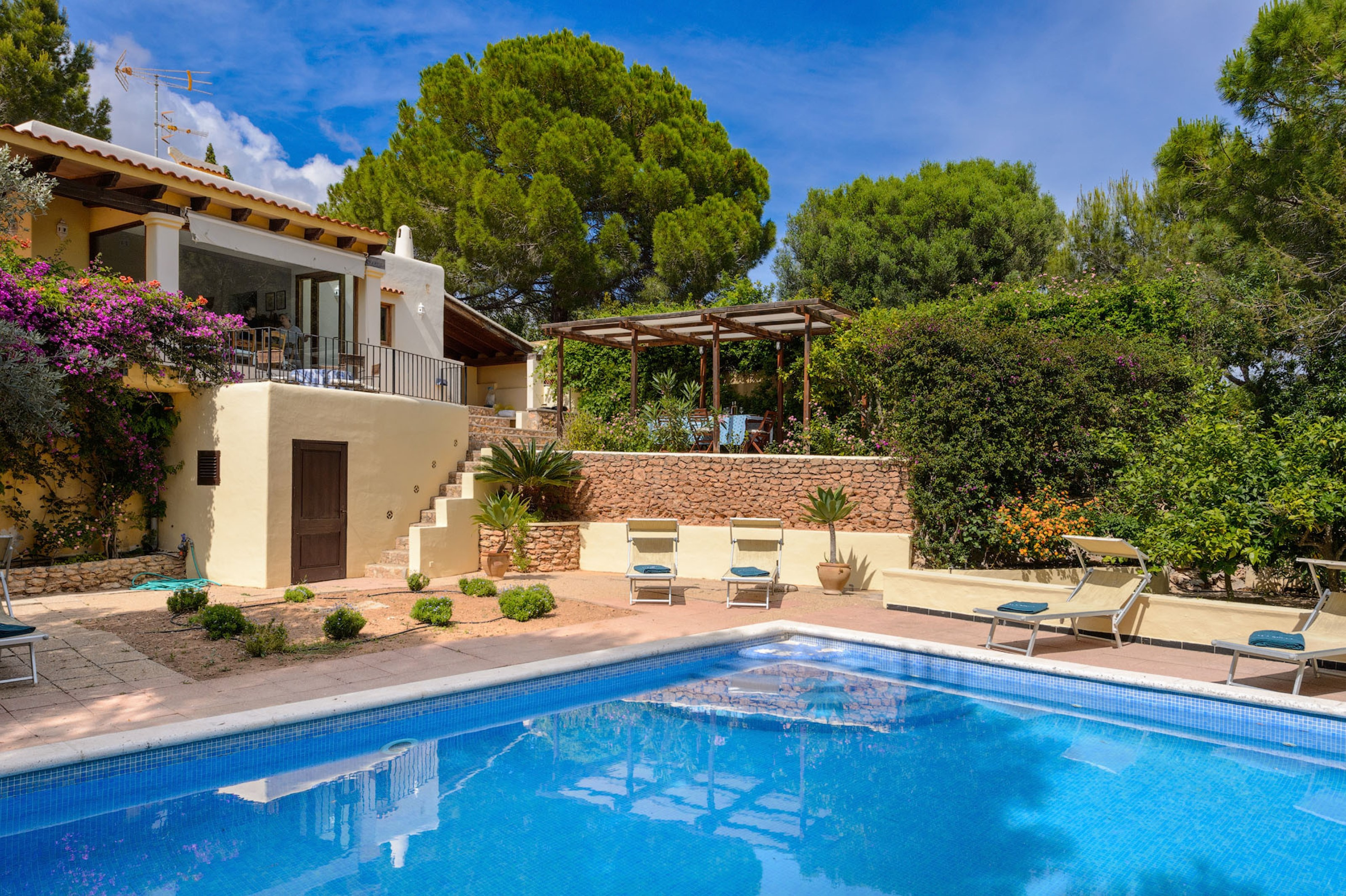 Villa 6 Bedrooms with Pool and WiFi 108785