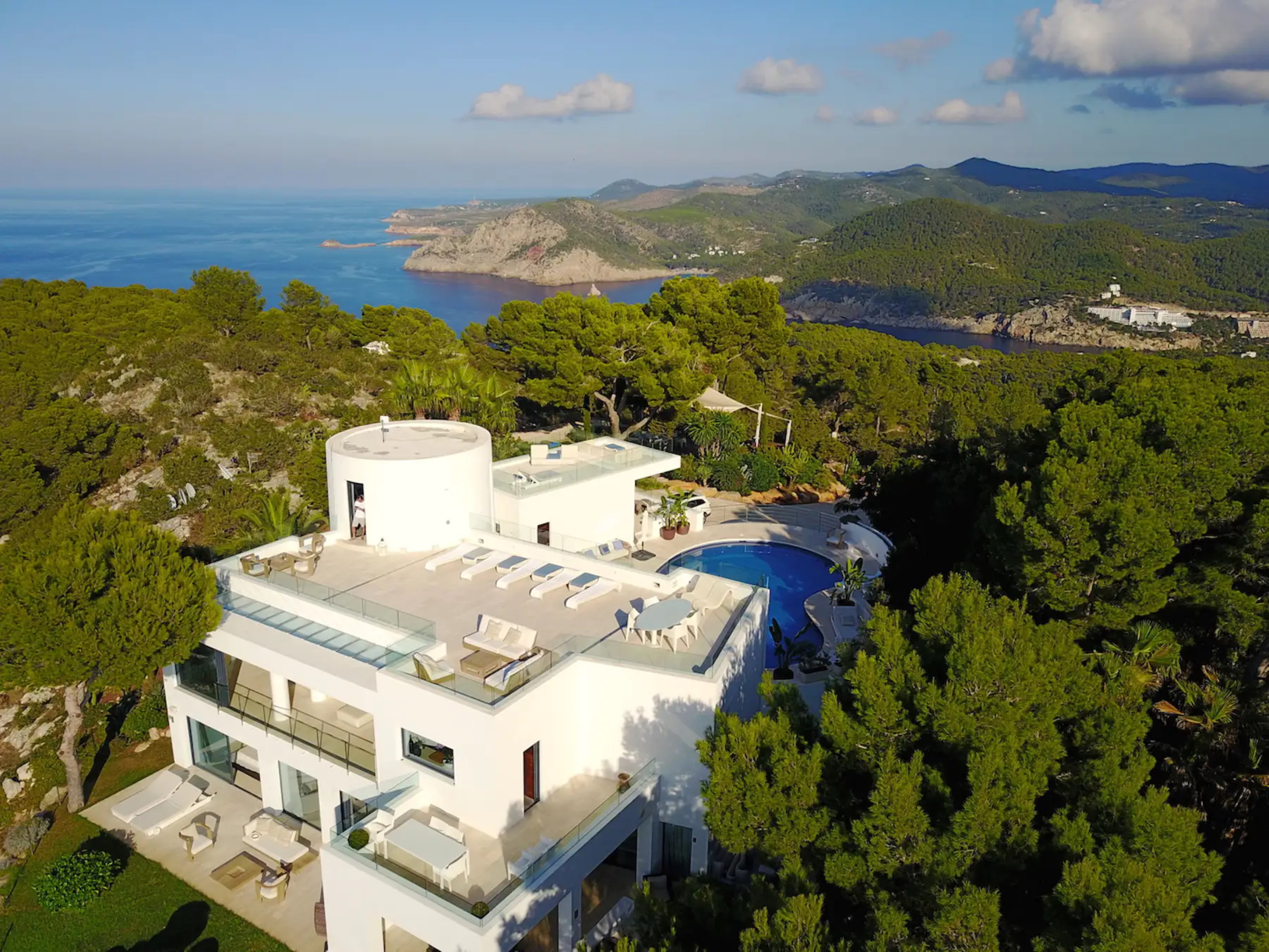 Villa - 5 Bedrooms with Pool and WiFi - 109005