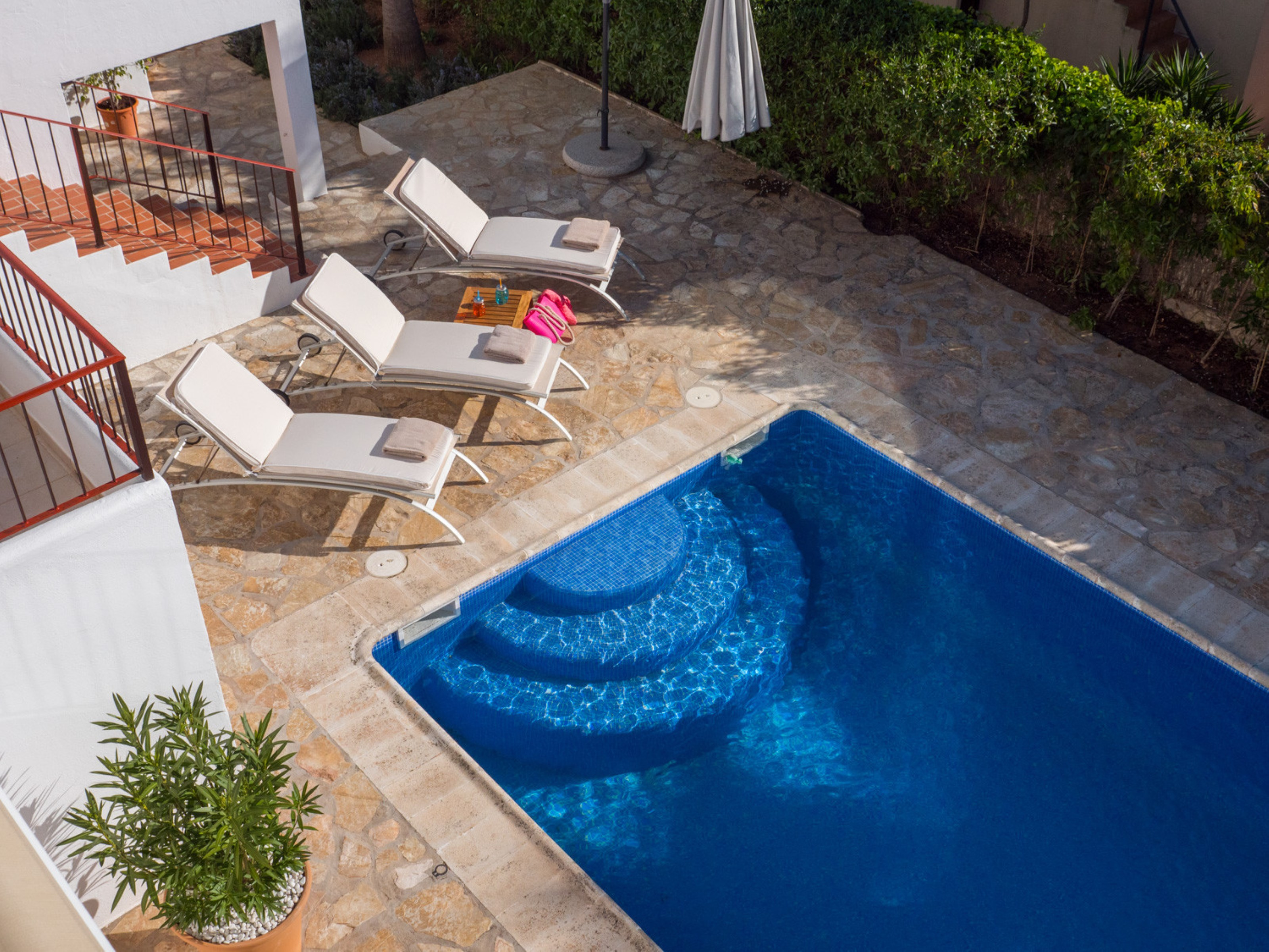 Villa 4 Bedrooms with Pool WiFi and Sea views 109264