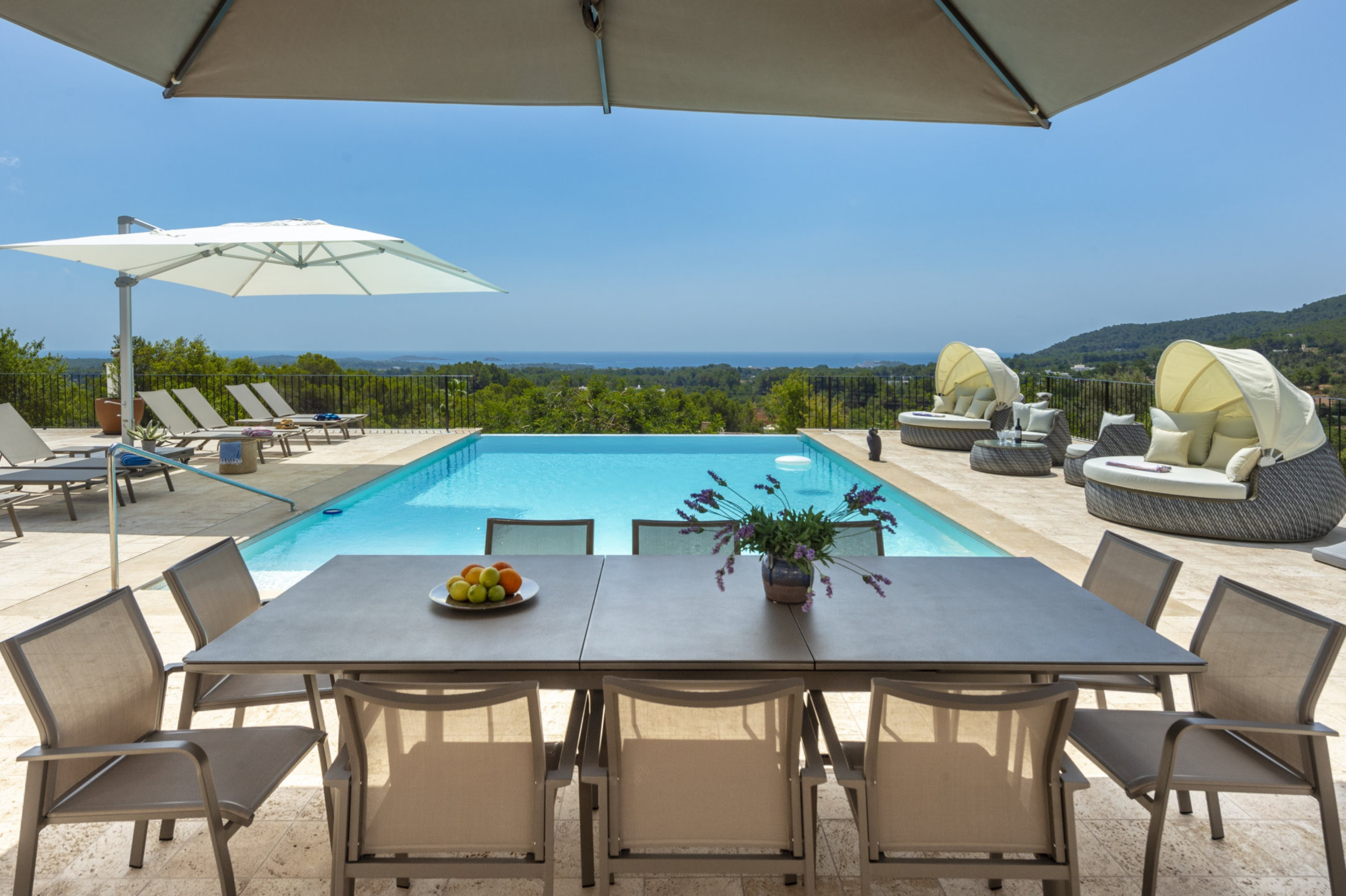 Villa 4 Bedrooms with Pool WiFi and Sea views 109344